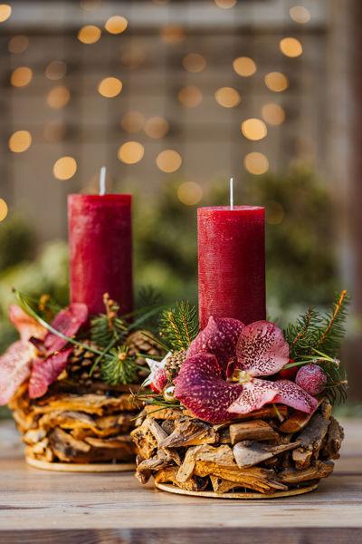 Immagine di Centrotavola con candelotto e fiore di wanda